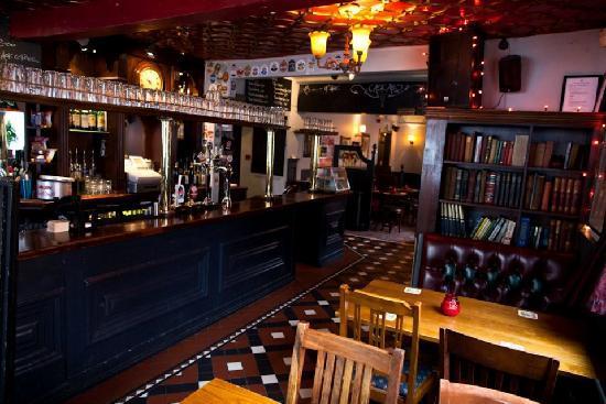 The Salutation: Pub Interior 3