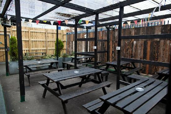 The Salutation: Beer Garden