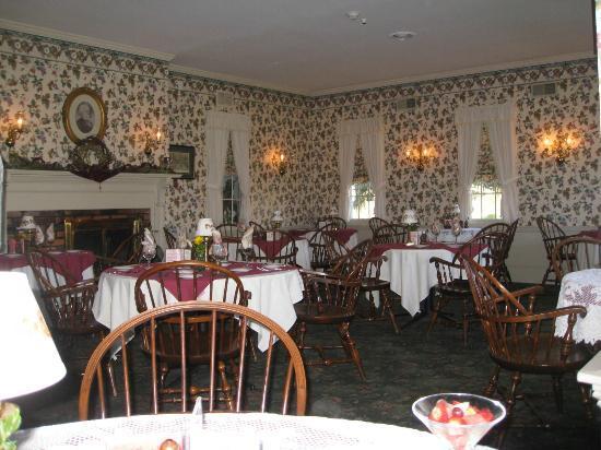 Asa Ransom House: Dining room