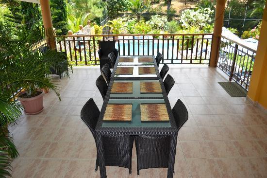 Coconut Lodge: Der Frühstücks-, Nachmittags- und Abendessenstisch