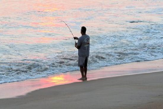 Lazy Hours Motel on the Beach : shore fishing