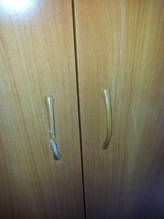 Kristina: armadio rotto