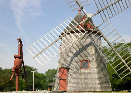 Massachusetts: Eastham Windmill, Cape Cod