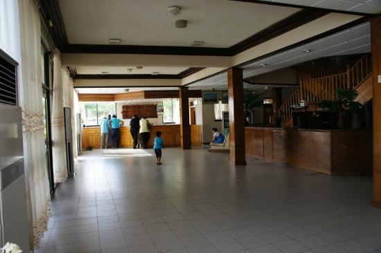 Busua Beach Resort: Reception area