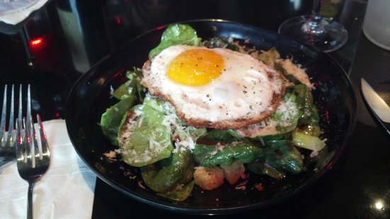 St. John's Restaurant: Organic Spinach Salad with local egg