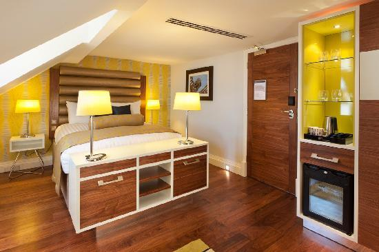 Hotel Indigo Edinburgh: Top floor junior suite