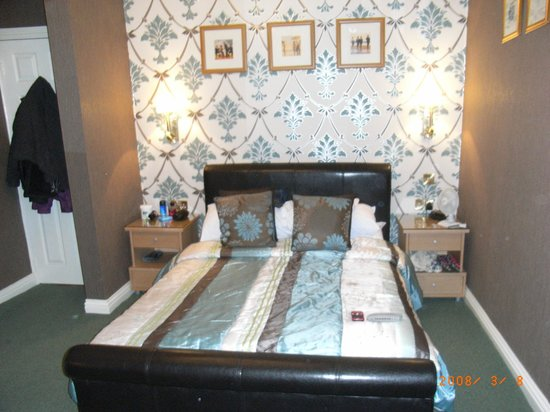 The Edenfield Guest House: bedroom
