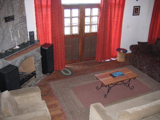 Himalayan Anchor: Living room