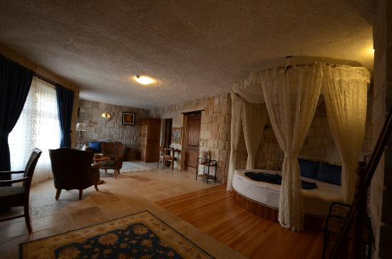 Goreme Inn Hotel: superior room(45m2, 1 queen size bed)