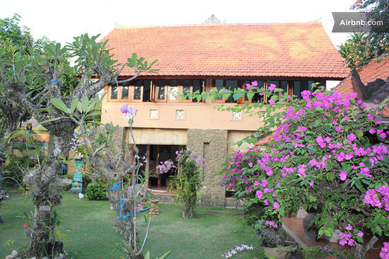 Sanur Bed & Breakfast Grounds
