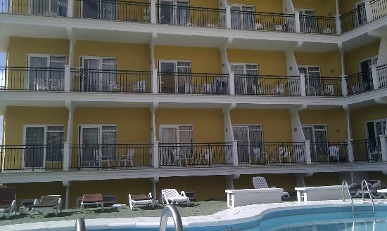 La Carabela Apartments: Balconies