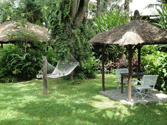 Hotel Tugu Bali : Relaxing beautiful grounds