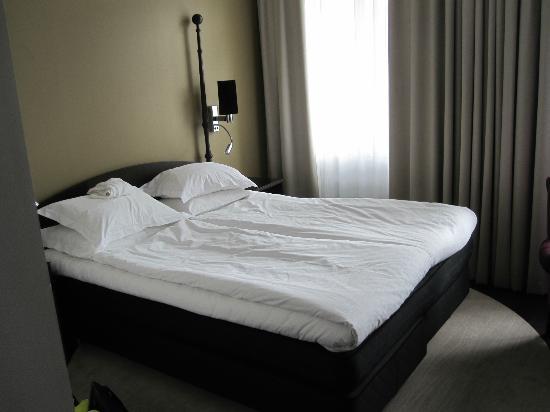 Elite Plaza Hotel Malmo: Sköna sängar, inget störande ljud trots rum ut mot torget