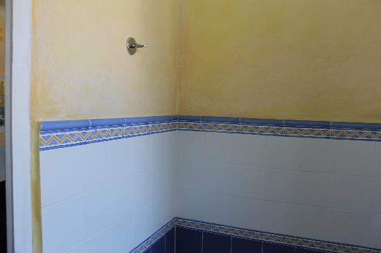 hotel miramar parete bagno