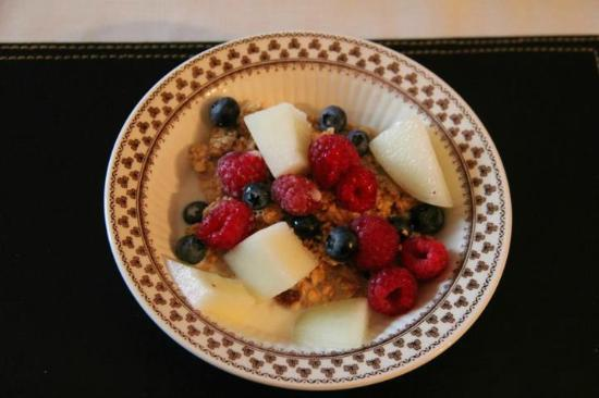 The Mill House: Fresh fruit and berries... very fresh...