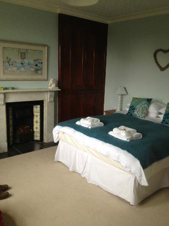 Saxon Villa: Beautiful crisp bed linen and fluffy towels