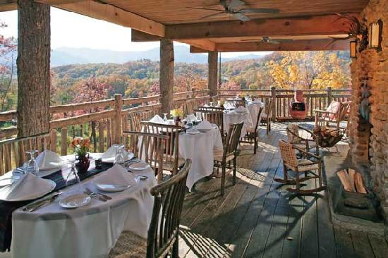 The Restaurant at Buckberry Creek: Hearthside Deck