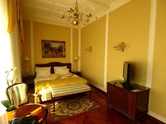 Hotel Milenij: room 204