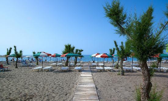 Hotel Sun Beach Lindos: BEACH AND GREAT VIEW