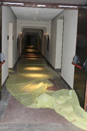 Hotel Riu Palace Tikida Agadir : vue du rez où nous devions passer pour accéeder à notre étage.
