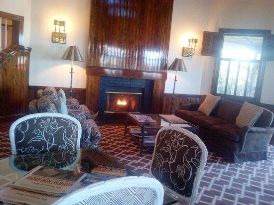 Sanderling Resort: View of Common Sitting Area in South Inn
