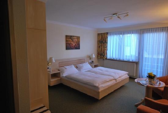 Adler Hotel Restaurant: Doppelzimmer Komfort mit Balkon