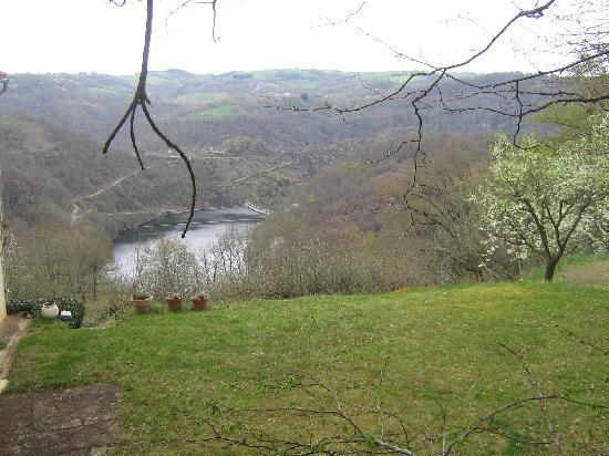 Pampelonne, France: vallée du viaur vue de Combefourniere