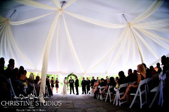 Winding Hills Golf Club and Restaurant: A tented wedding at Winding Hills