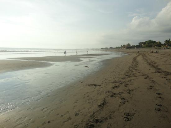 Batu Belig Beach: Pantai Batu Belig
