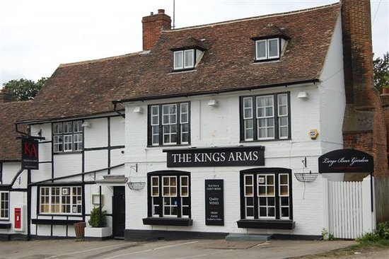 The Kings Arms: Historic Country Pub