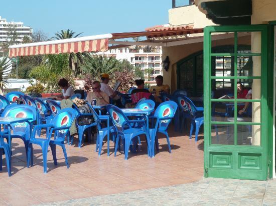Hotel Perla Tenerife : terrasse de l'hôtel