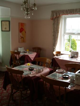 Claremont House: Breakfast room (note the toasters!)