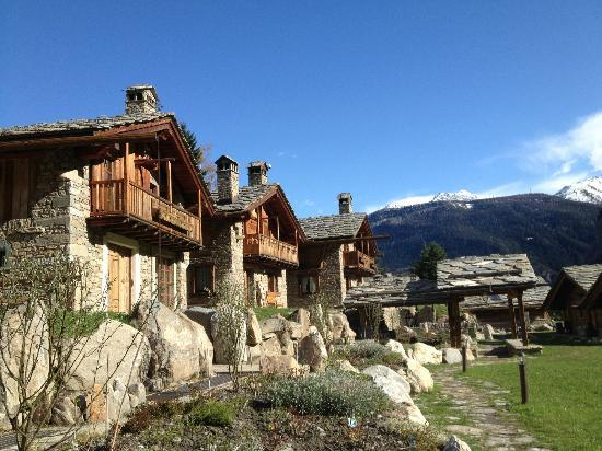 Au Coeur des Neiges: The chalets