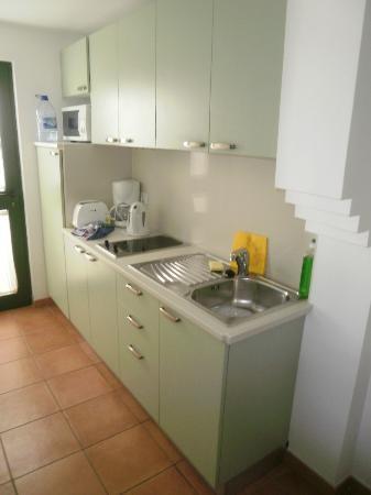 Bungalows Velazquez: kitchen