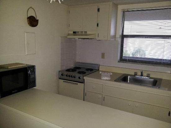 Anglers Cove Condominiums: Kitchen unit J504