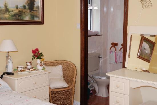 Knights Haven: Bedroom En Suite
