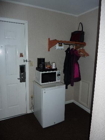 Best Western Chincoteague Island: mini fridge