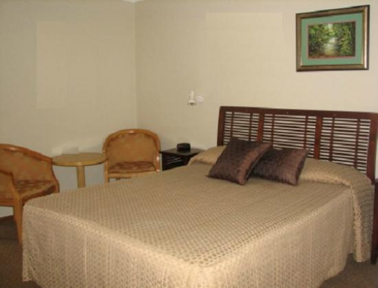 Atherton Hinterland Motel: Bedroom