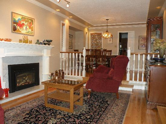 Eagle Mountain Bed and Breakfast : guest lounge