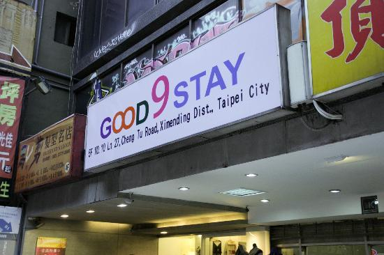 Good 9 Stay Inn: in front of hotel