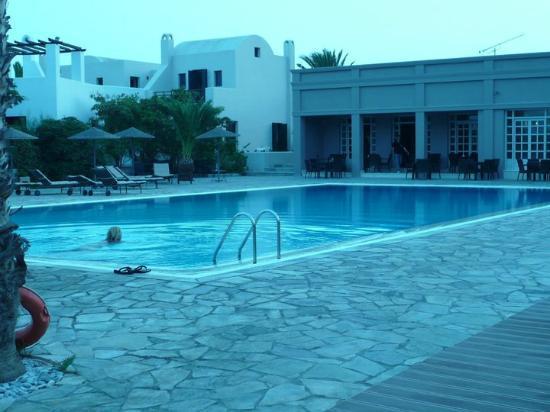 9 Muses Santorini Resort: Piscina