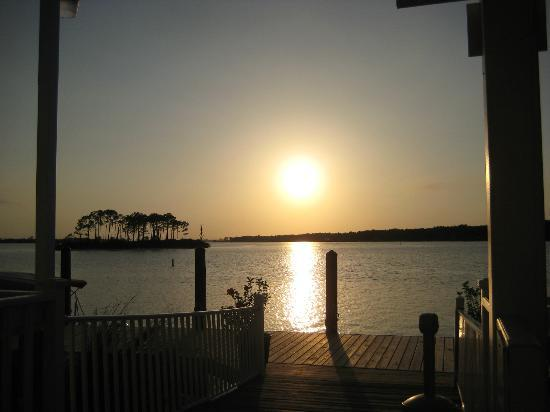 Sunset Grille: The view from our table during dinner