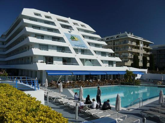 Montemar Maritim: Very distinctive shape to the hotel!