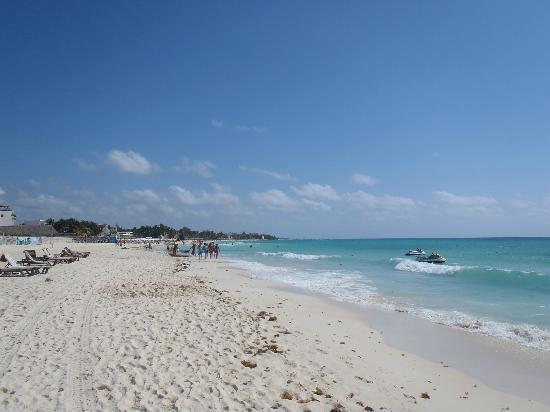 The Royal Playa del Carmen: looking down the beach early in morning