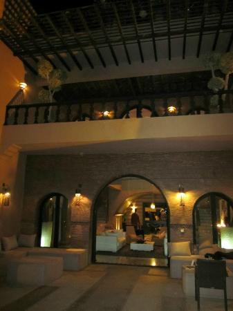 Villa Malika Silvana : balcon