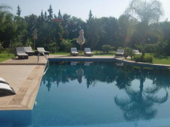 Villa Malika Silvana : piscine