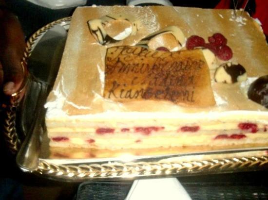 Villa Malika Silvana : gateau d'anniversaire