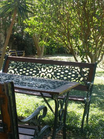 Livadi Apartments: relaxing area