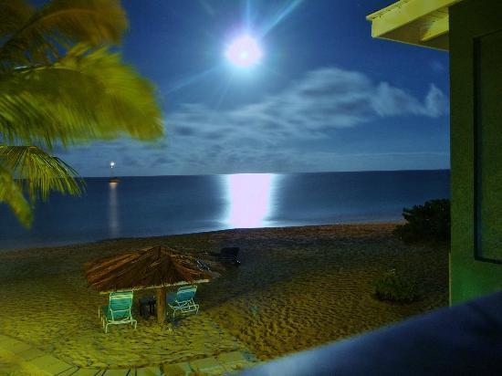 Keyonna Beach Resort Antigua: Stars on the water