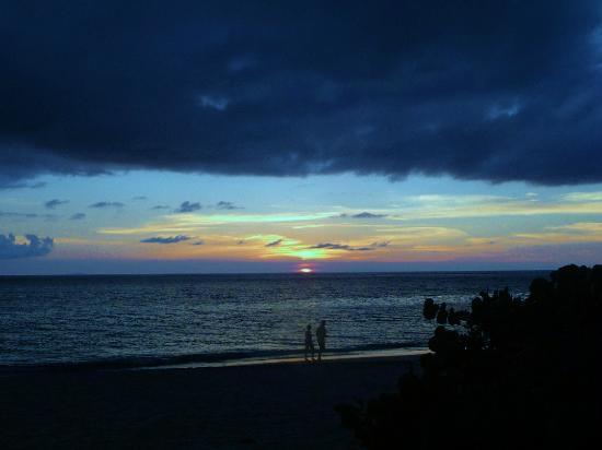 Keyonna Beach Resort Antigua: Ridiculous Sunsets